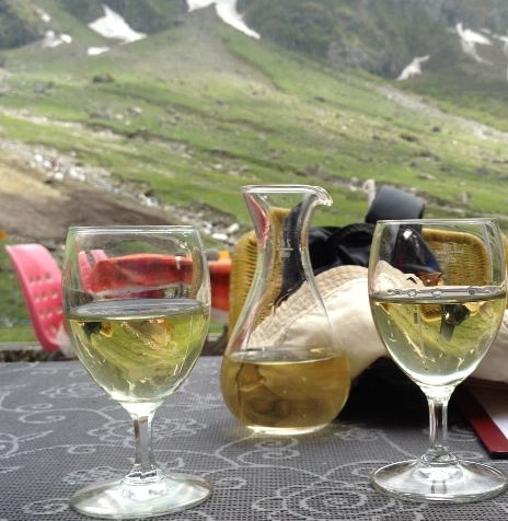 Good thing about hiking in Switzerland is that you are never very far from a little alpine refreshment hut